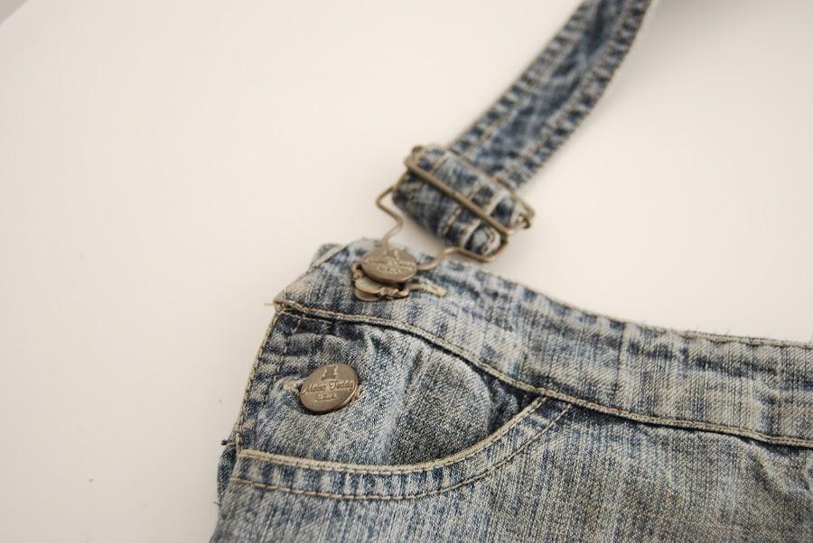 bolso hecho a partir de un vaquero viejos.