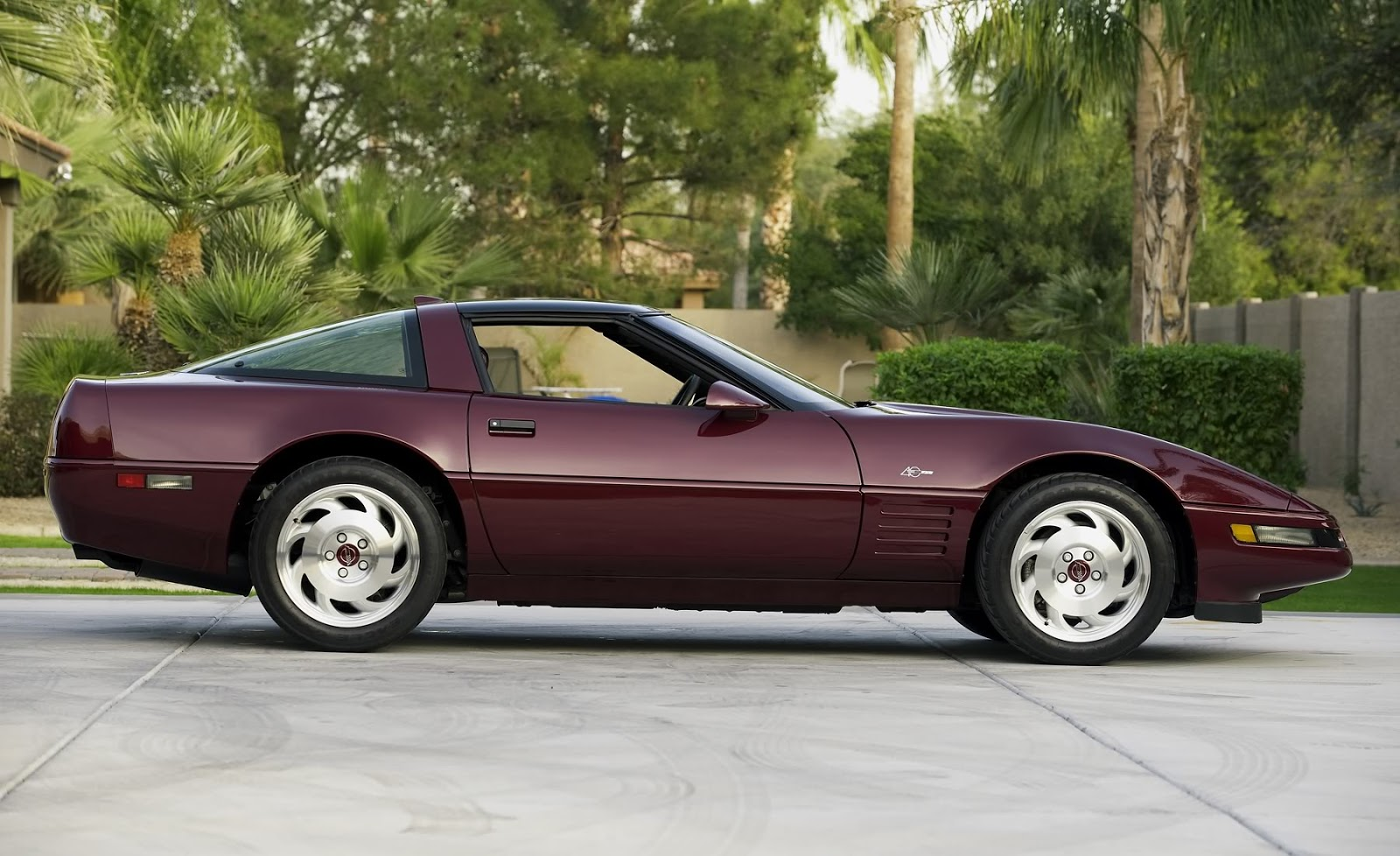 cars that made us tick 1993 chevrolet corvette 40th anniversary edition. Black Bedroom Furniture Sets. Home Design Ideas