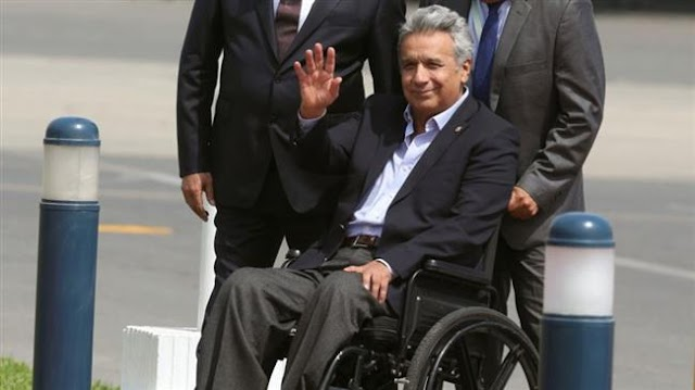 Ecuador's President Lenin Moreno gives Colombian rebels 12 hours to prove captives alive