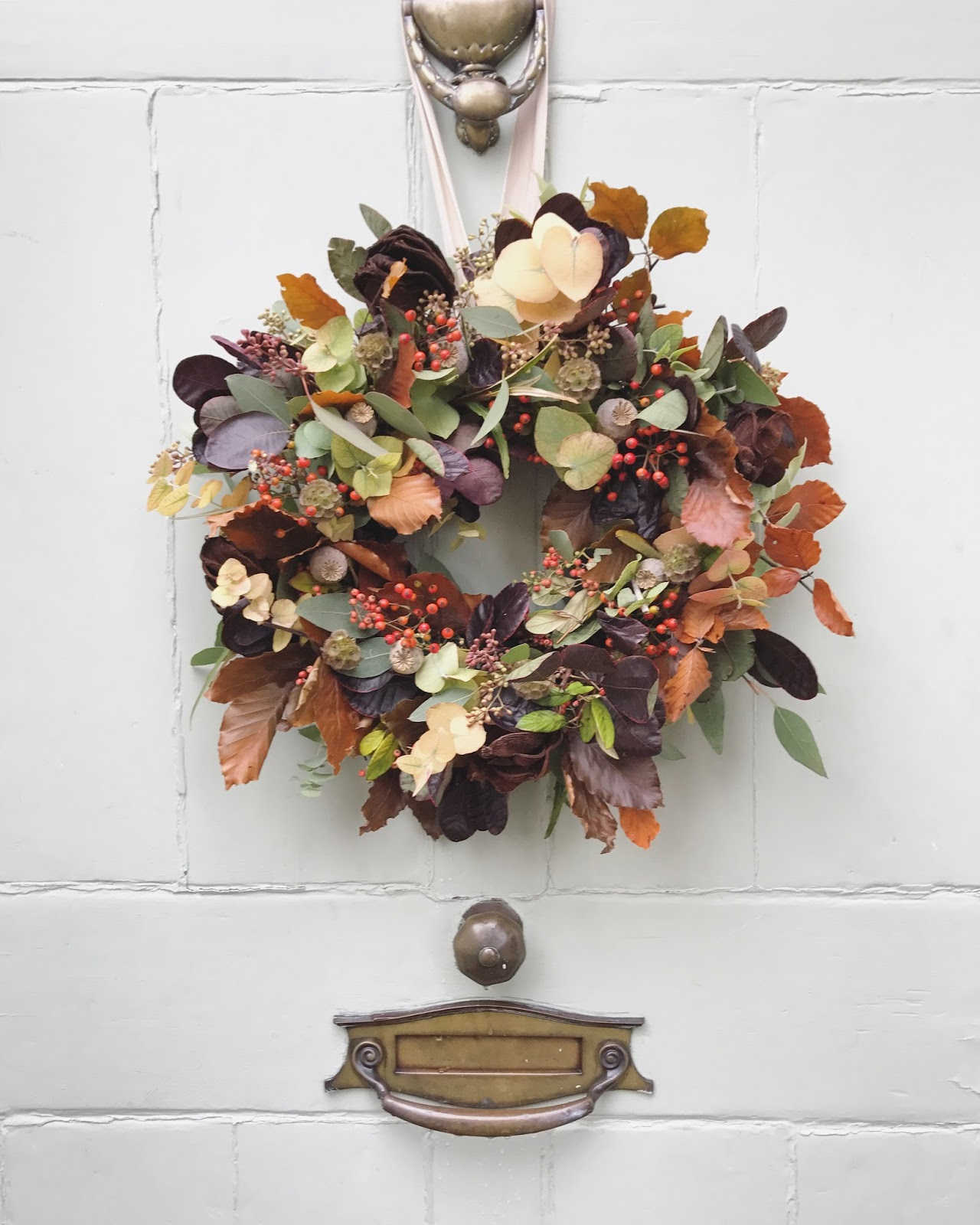 Autumn wreath making roses and rolltops izmirmasajfo Images