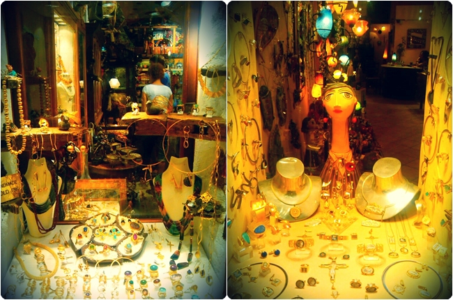 Oia Santorini shops