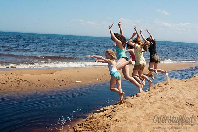 Beach photo pose idea—jump