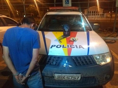 Homem empreende fuga em veículo roubado e é detido pelo Gtop 30 em Ceilândia