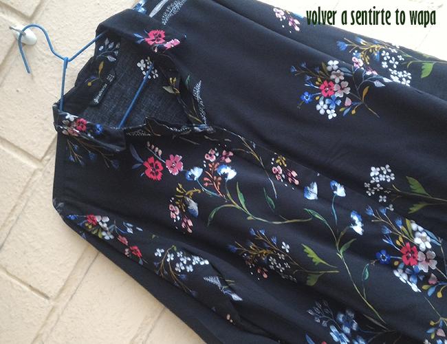 Compra de Camisa de Flores en las Rebajas de Stradivarius
