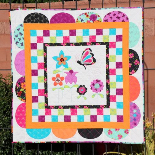 Wings of a Butterfly Quilt Free Pattern designed by Carol Swift  of Therm¬O¬Web
