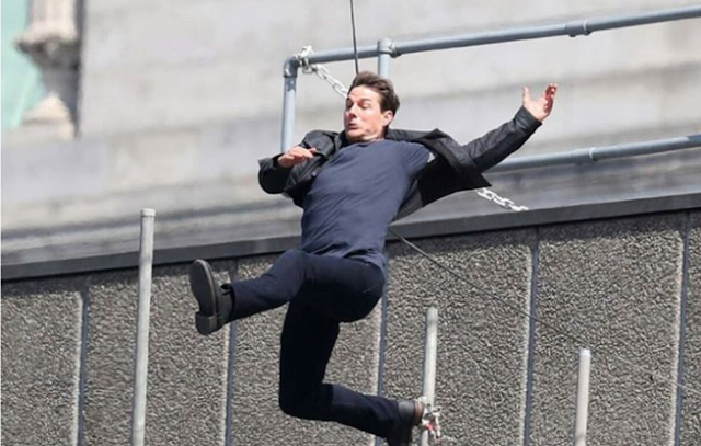 Watch VIDEO! Tom Cruise injured during 'Mission Impossible 6' stunt jumping from roof !