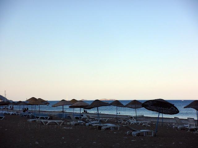 Günbatımında Çıralı sahili
