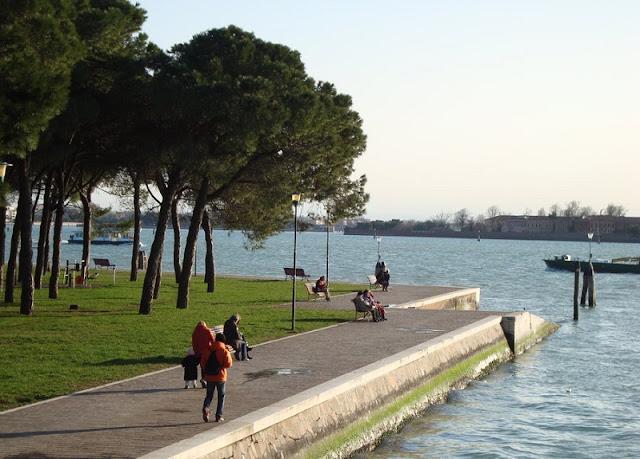 Parco delle Rimembrenze na ilha de Sant'Elena em Veneza