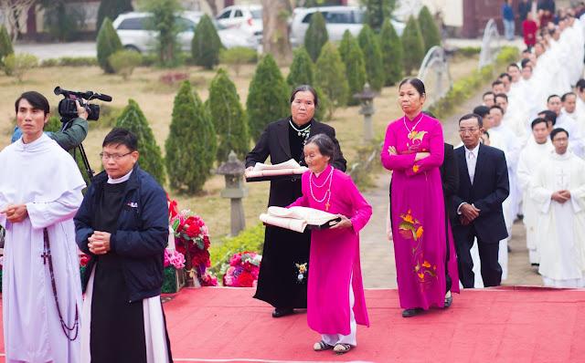 Lễ truyền chức Phó tế và Linh mục tại Giáo phận Lạng Sơn Cao Bằng 27.12.2017 - Ảnh minh hoạ 51