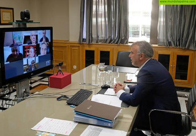 Ángel Víctor Torres mantiene un encuentro con los expresidentes de Canarias para hacerles partícipes de la situación por el coronavirus y recabar sus propuestas