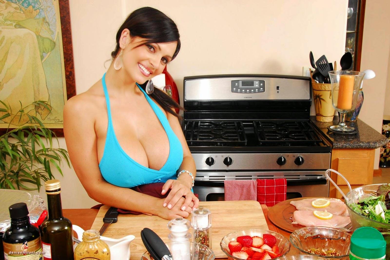 Смотреть порно как сосут молоко из груди способ завязать