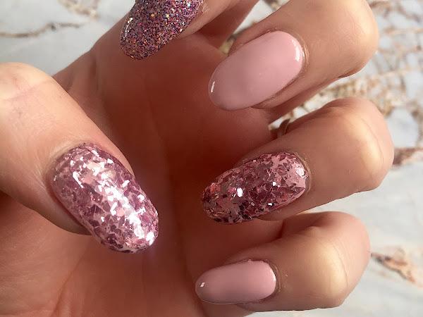 NOTD: Pastel Pink, Princess Meghan & Smashed Glitter