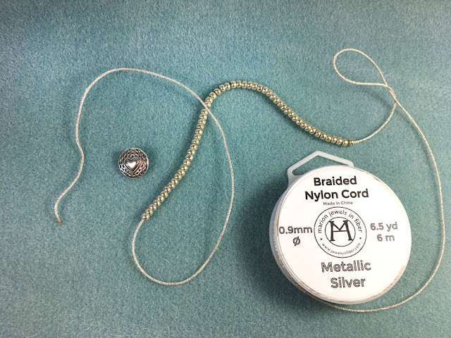 Turkish Flat Bead Crochet Bracelet Tutorial with Metallic Cord - Step 2