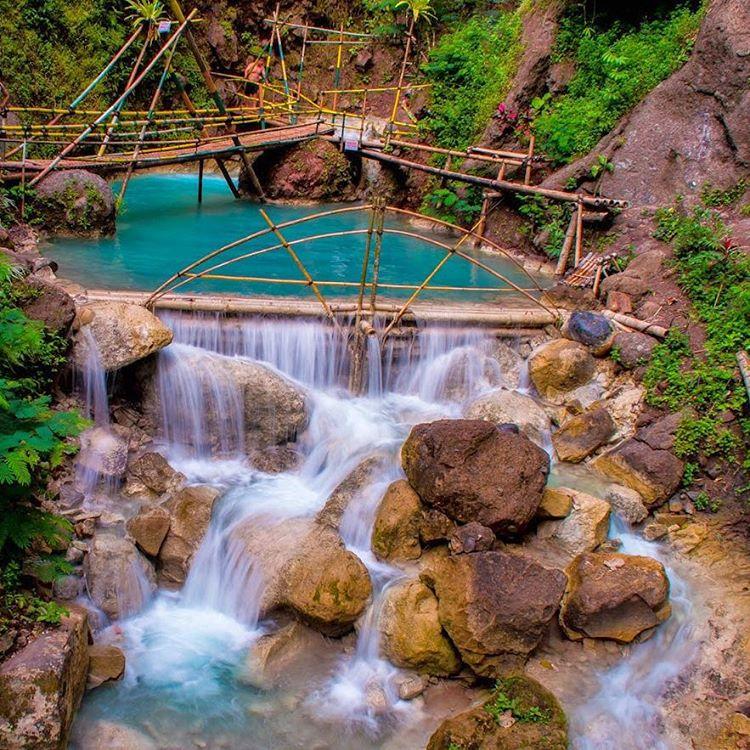 Pesona Menakjubkan Air Terjun Sri Gethuk Gunung Kidul
