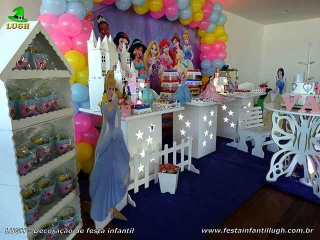 Mesa temática de aniversário Princesas Disney - Festa infantil