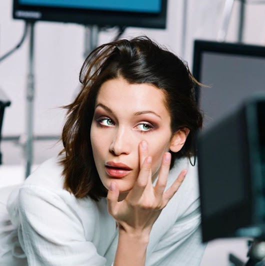 I Stand With Palestine - Bella Hadid Condemns Trump's Jerusalem Decision