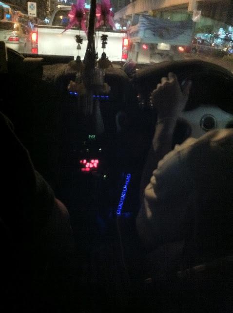 En el taxi pirata