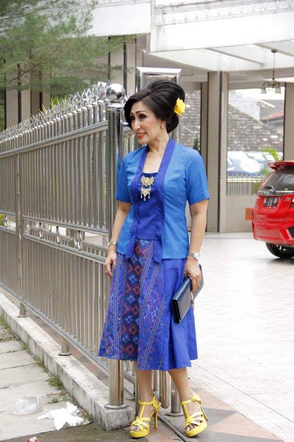 Inspirasi Model Dress Blouse Kemeja Bahan Full Ulos Dan Mix Ulos