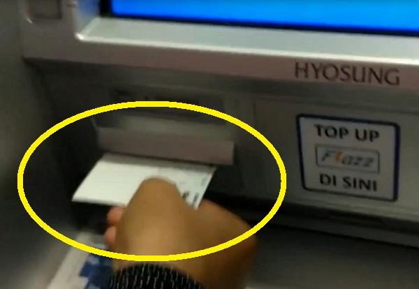 Mengambil Uang Lewat ATM BCA: Langkah Ketiga 5