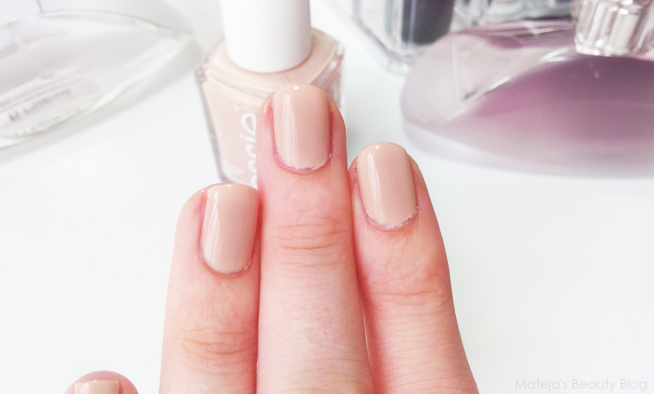 Essie Spin the Bottle (Spring 2014 LE) - Mateja\'s Beauty Blog