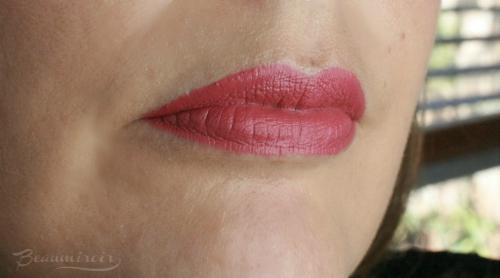 574 Lively Matte lip swatch