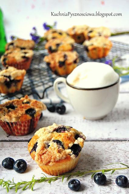435. Muffiny z borówkami