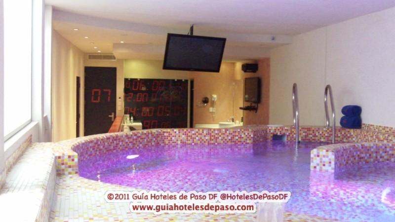 Guia hoteles de paso df cdmx hotel kron villa con alberca for Alberca 8 de julio