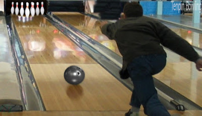 Tenpin bowling sport