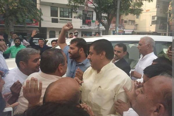 Ajay-address-supporter-in-delhi