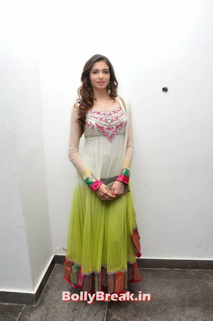 , Ex Miss India& Actress Simran Kaur Mundi Latest Pics in Churidaar Salwaar Kameez