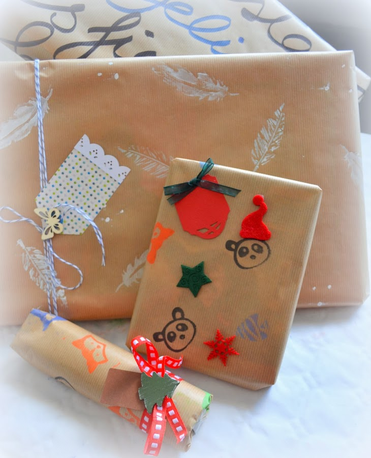 http://www.elrincondefrifri.com/2014/01/crea-tu-propio-papel-de-regalo-diy.html