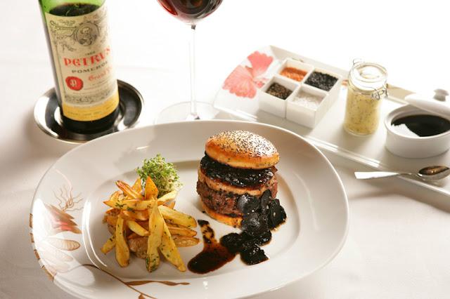 Fleurburger adalah burger paling mahal di dunia dengan harga ratusan juta rupiah