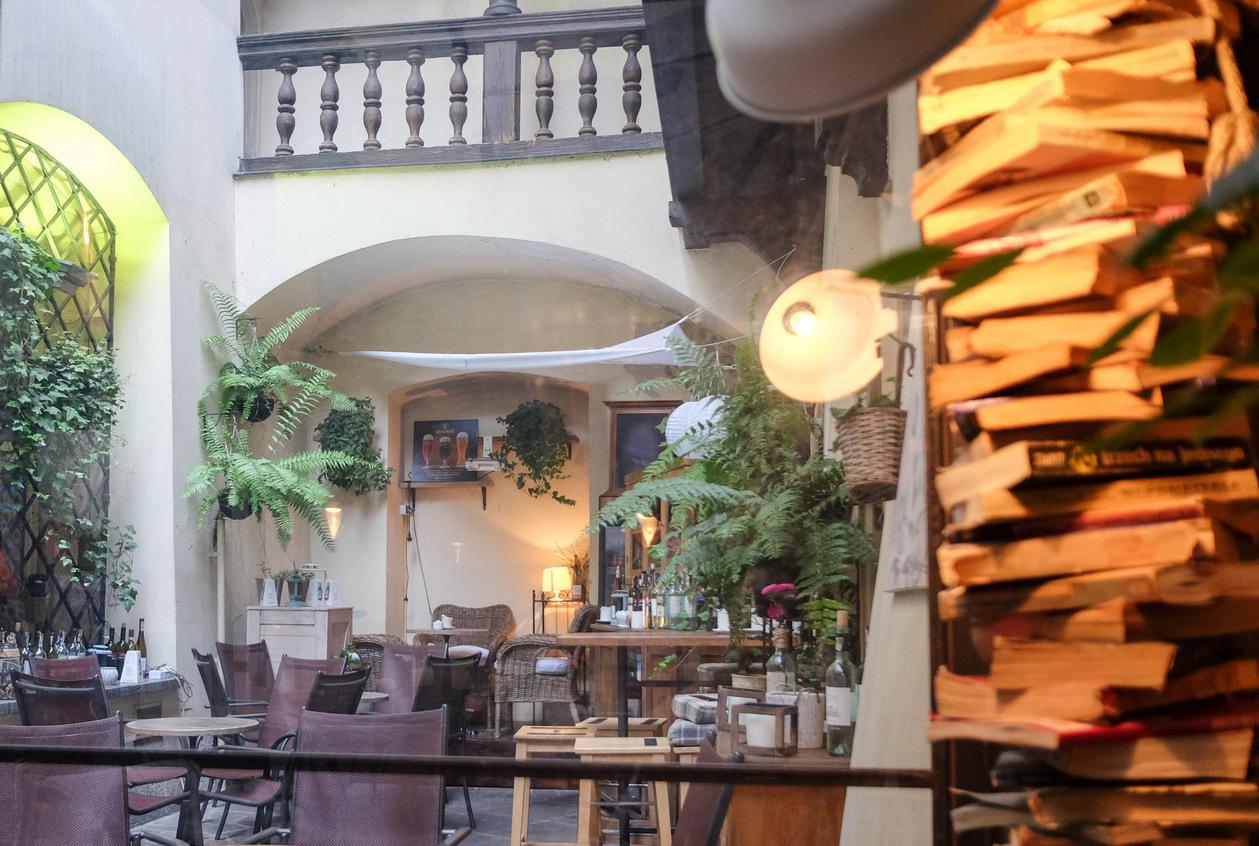 eat drink kl magia cafe bar krakow