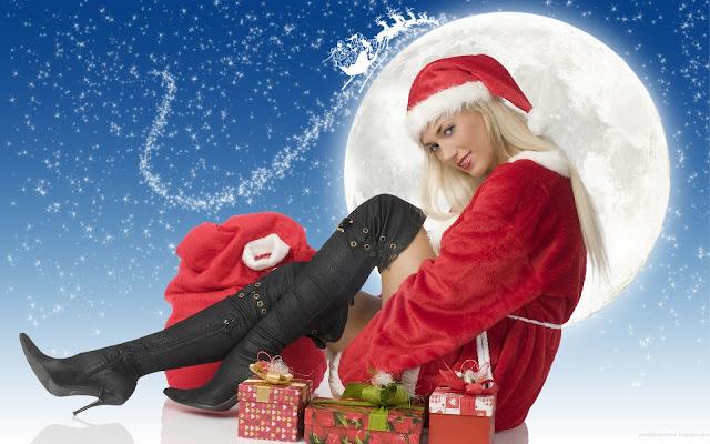 Menjarah dan Menadah Atribut Natal dan Membagi Hasilnya