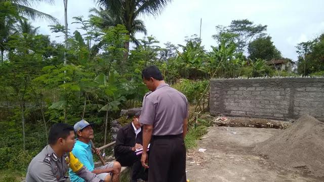 Miris! Kalah Pilihan Lurah, Pria Ini Blokir Jalan Antar Desa dengan Tembok dan Beling