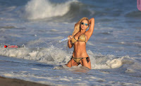 francesca-larrain-topless-ass-+dogy-style-for-138-water-Pictureshoot-at-beach%7E+SexyCelebs.in+Exclusive+005.jpg