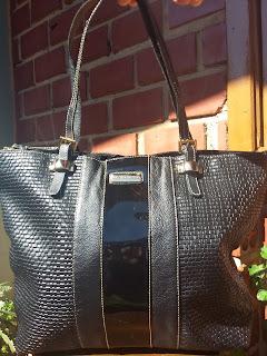 c6149d4f16 Olha as bolsas novas que ainda estão disponíveis