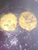 पालक का बनाये ऐसा नाश्ता जिसे बच्चे भी पसंद करे || Palak Ki Poori Receipe in Hindi