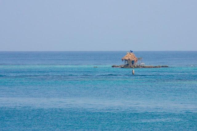 Turismo Sustentável na Isla Grande, uma das ilhas do Arquipélago de Rosário no Caribe Colombiano.