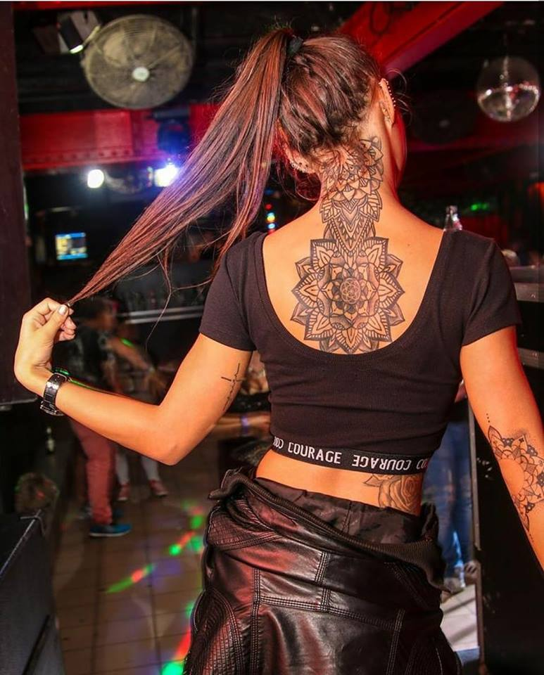 15 Gorgeous Girls With Tattoos