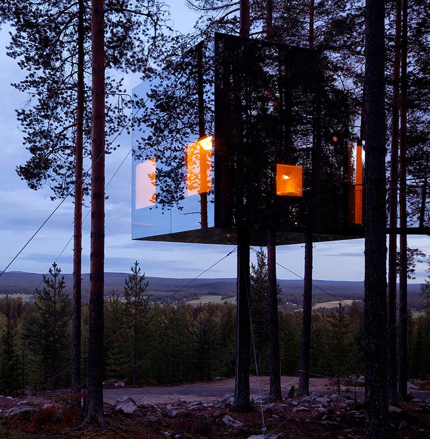 Mirrorcube Tree House Hotel en Suecia