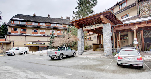 Just Listed at Blackcomb Lodge in The Heart of Whistler Village! 1 Bed and Loft asking $289,000.00