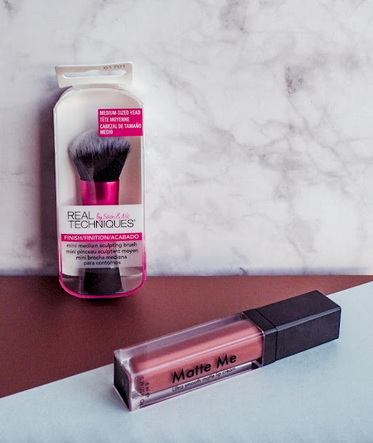 Real techniques brush and Sleek lipstick