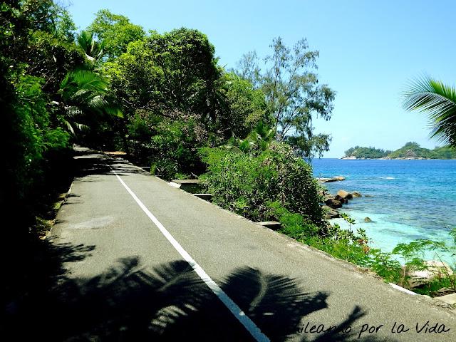 alquilar coche mahe seychelles