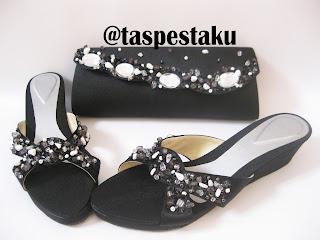 Sepatu Pesta Hak Wedges dan Tas Pesta Match Hitam Elegan Cantik Handmade