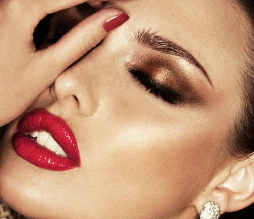 maquillaje para labios rojo