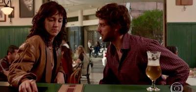 Camila Márdila contracena com Chay Suede; atriz interpreta Amanda, a vingativa de Amor de Mãe