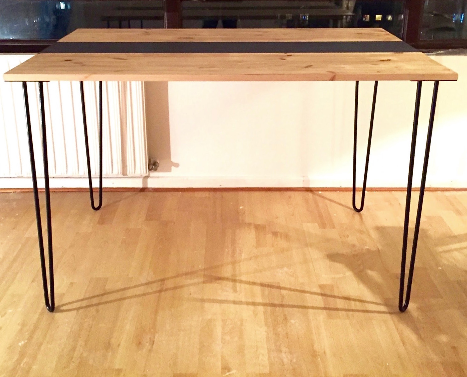 diy deco d fi 1 r aliser une table manger design pour 100 trop chic pas cher. Black Bedroom Furniture Sets. Home Design Ideas