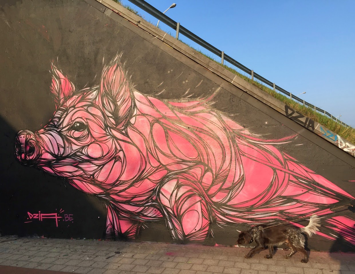 Touring around Belgium, DZIA is now in Duffel where he just finished working on a brand new piece.