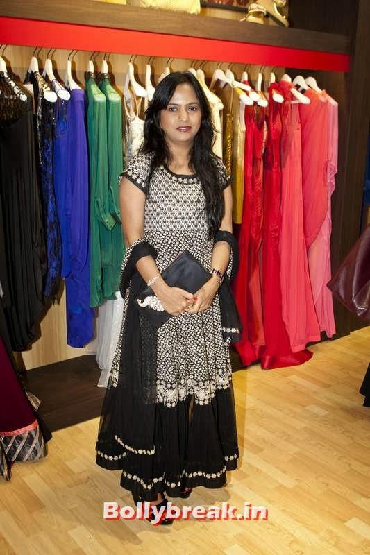 Rashmi Agrawal, Jacqueline Fernandez in Dubai